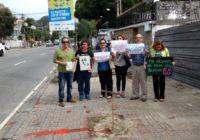 Moradores fazem protesto no local onde a árvore foi destruída!